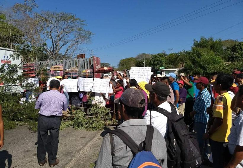 CODEP impide  el libre tránsito en la Costa de Oaxaca