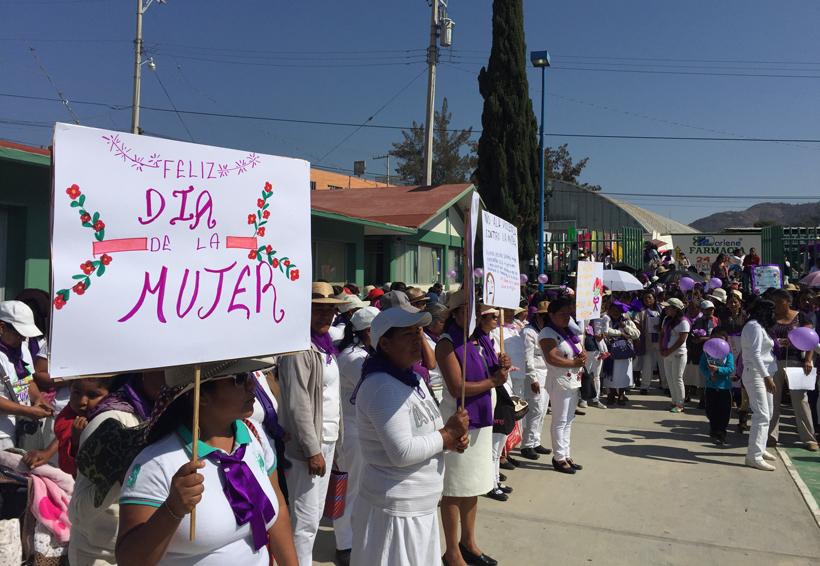 Conmemoran a la Mujer en Tlaxiaco, Oaxaca | El Imparcial de Oaxaca