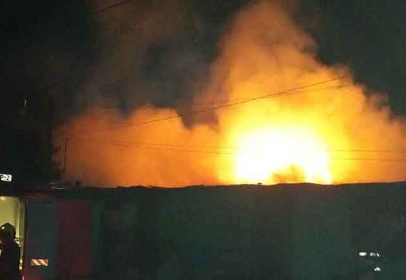 Incendio arrasa con tres casas | El Imparcial de Oaxaca