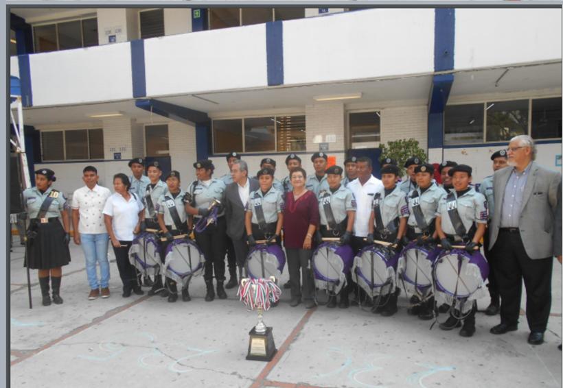 Destaca la banda de guerra  de la ciudad de Pinotepa Nacional, Oaxaca