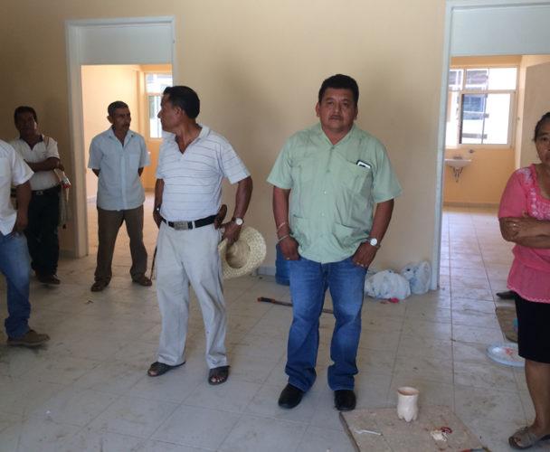 Exigen que equipen centro  de salud en Huaxpaltepec, Oaxaca