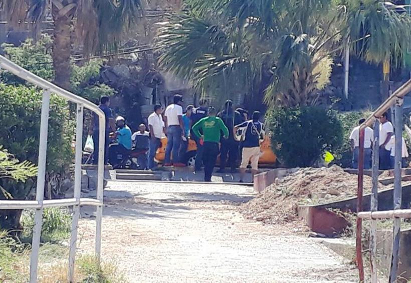 Gresca entre taxistas y  mototortilleros por choque   El Imparcial de Oaxaca