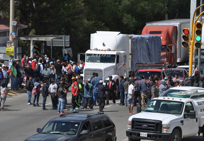 Oaxaqueños, presas del pánico por rumores de bloqueos | El Imparcial de Oaxaca