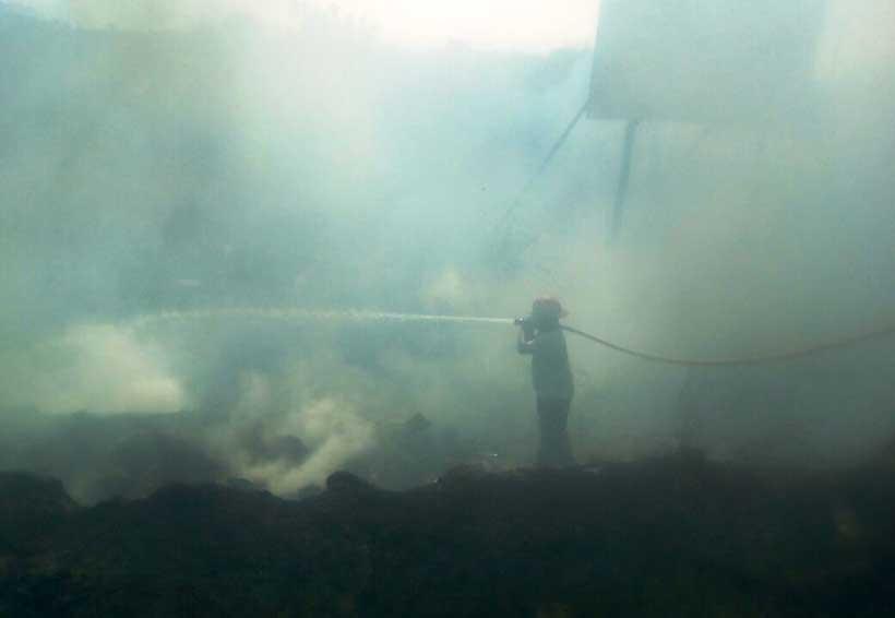 Incendio amenazaba a  vecinos del Istmo de Oaxaca