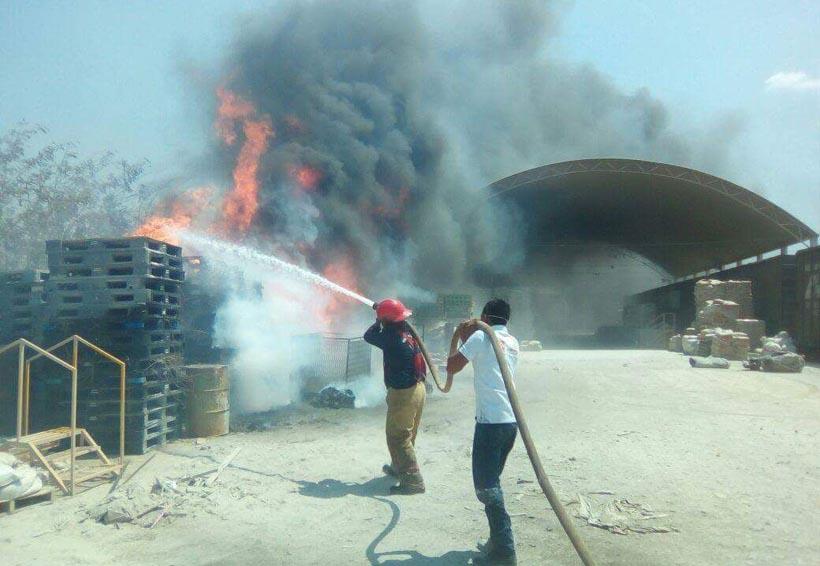 Incendio consume bodega de Cemex en el Istmo de Oaxaca | El Imparcial de Oaxaca