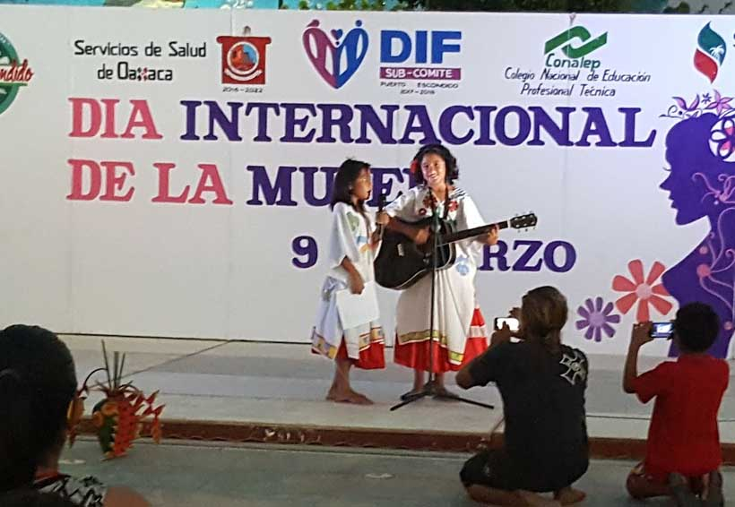 La Casa de la Cultura de Puerto Escondido celebra  en grande el Día de la Mujer