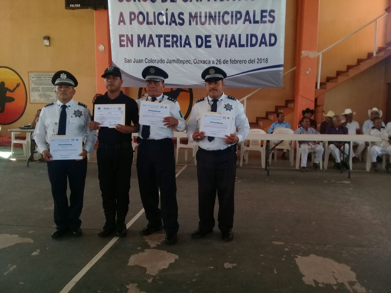 Policías concluyen curso de vialidad en Pinotepa Nacional, Oaxaca | El Imparcial de Oaxaca