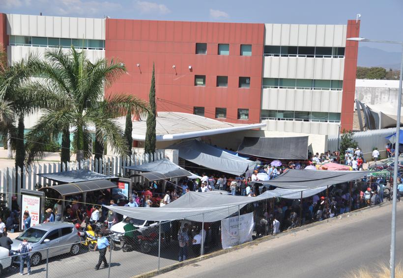 Bloquea Sección 22 oficinas de Gobierno | El Imparcial de Oaxaca