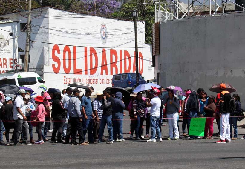 Padres de familia de Oaxaca son obligados a asistir a las marchas