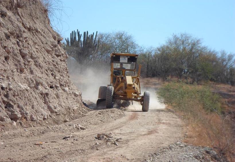 Rehabilitan 10 km de  caminos cosecheros en  municipio de Cuicatlán, Oaxaca | El Imparcial de Oaxaca