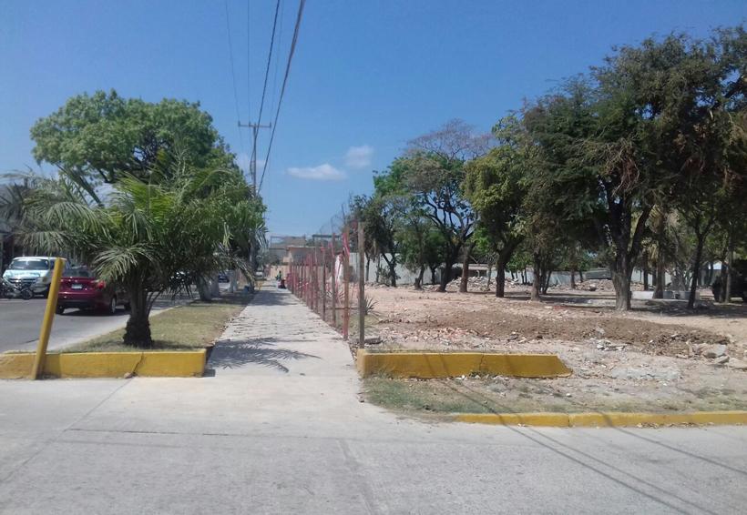 Retiran cerca que  obstruía paso peatonal en Ciudad Ixtepec, Oaxaca | El Imparcial de Oaxaca