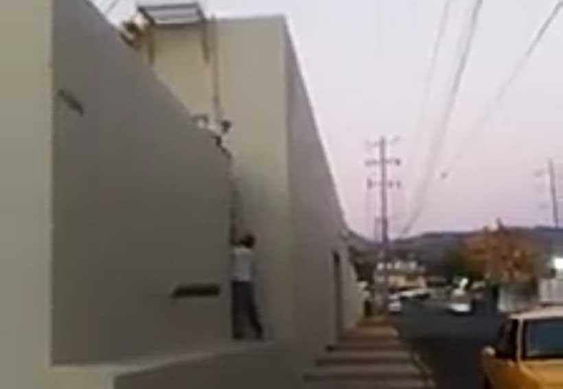 Video: Despedido, trabajador ladrón del IMSS de Salina Cruz | El Imparcial de Oaxaca