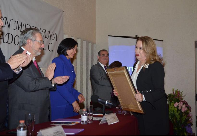"""Recibe La Magistrada Yazmín Esquivel Mossa, la medalla """"Mujeres por la Igualdad 2018"""""""