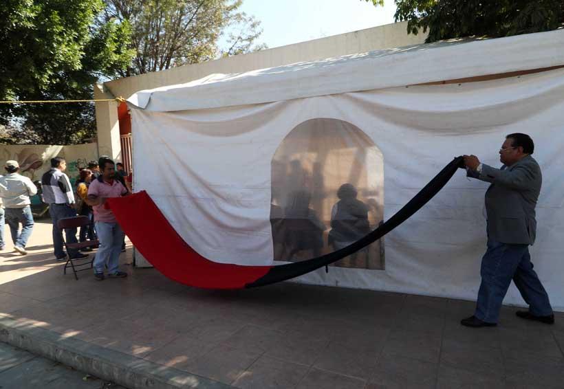 Retiran banderas rojinegras de la UABJO; clases el lunes | El Imparcial de Oaxaca