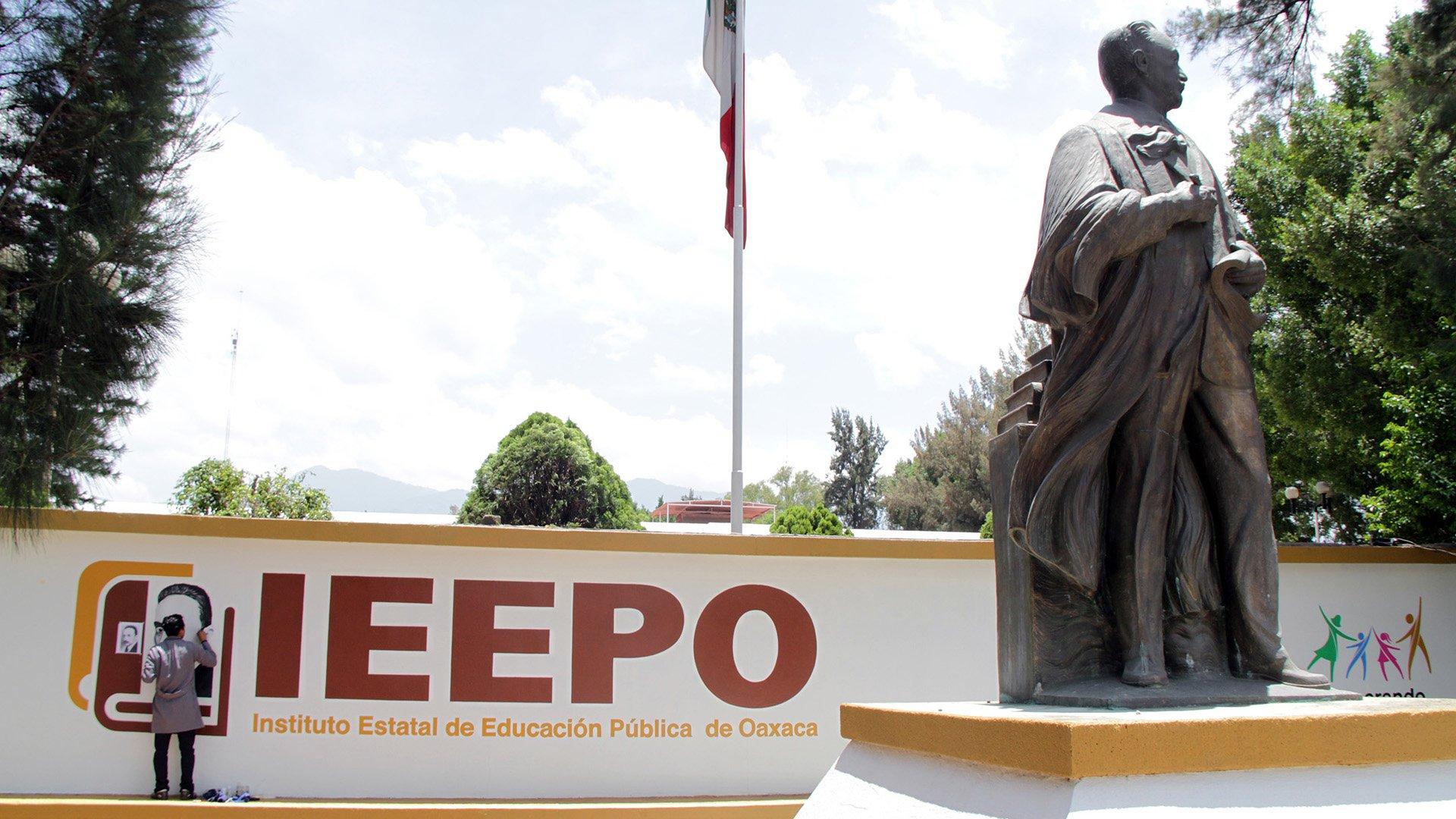 Renuncia Julián Luna a  subdirección del IEEPO | El Imparcial de Oaxaca