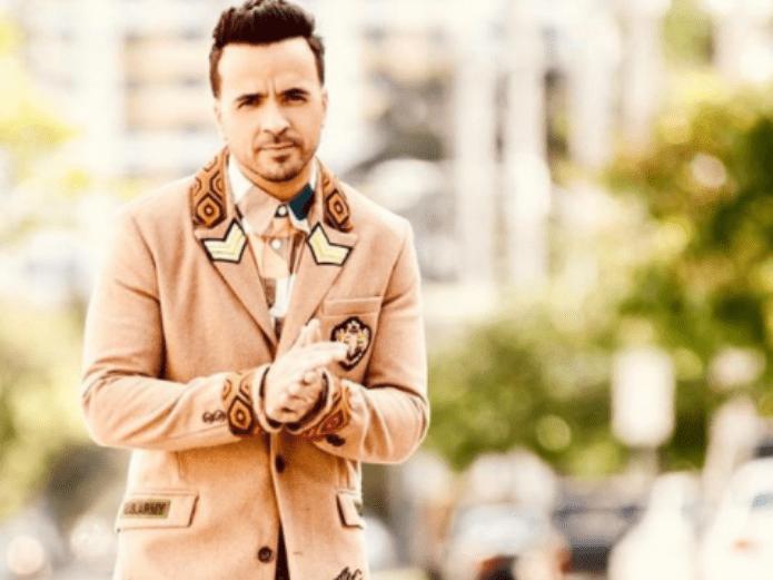 Luis Fonsi sorprendió a todos con su cambio de look: rubio | El Imparcial de Oaxaca