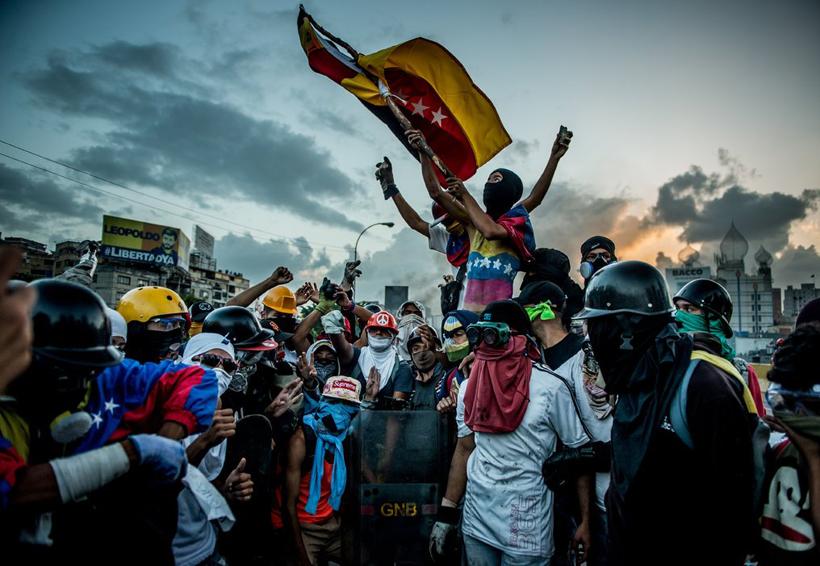 4 de cada 10 venezolanos piensan salir de su país: sondeo | El Imparcial de Oaxaca