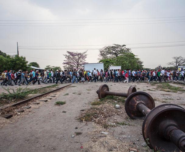 Autoridades cometen  abusos contra migrantes