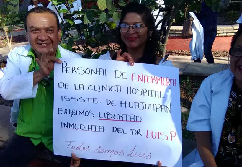 Avisan médicos de Huajuapan de León paro de 24 horas