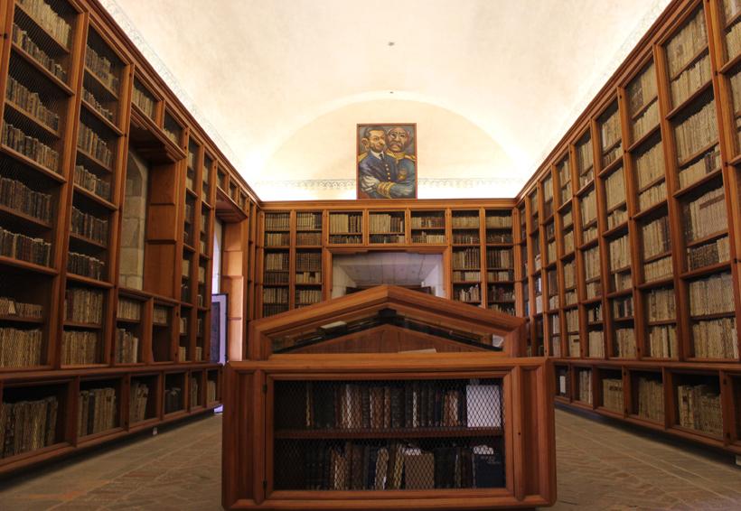 Celebra la biblioteca Burgoa su registro en la Memoria del Mundo