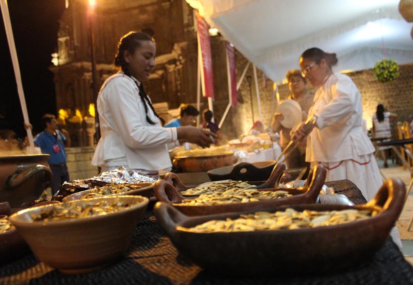 Cocineras tradicionales, en desventaja frente a chefs