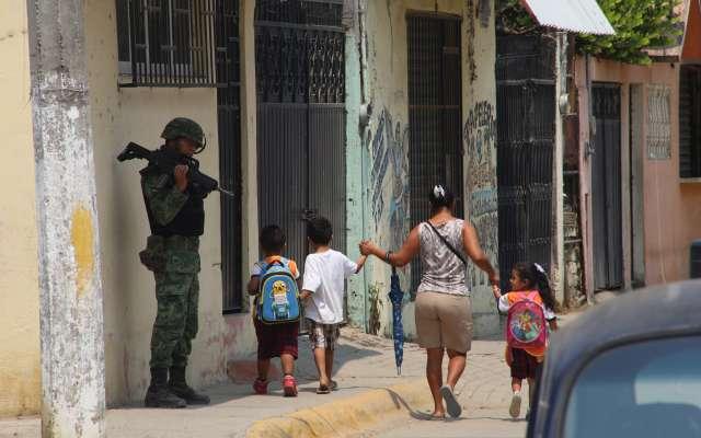 Comando entra a escuela de Acapulco y secuestra a mujer   El Imparcial de Oaxaca