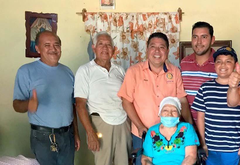 Entrega Club Rotario silla de  ruedas a personas vulnerables de Tuxtepec, Oaxaca | El Imparcial de Oaxaca