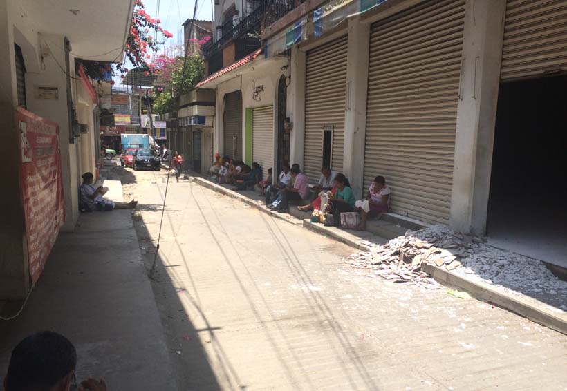 Pensionados de Pinotepa Nacional toman instalaciones  de la Secretaría de Finanzas | El Imparcial de Oaxaca