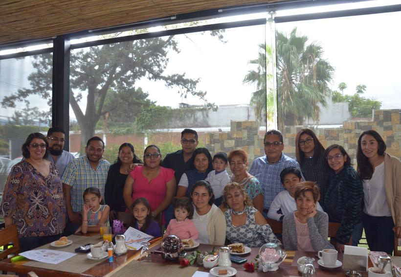 Celebran  a Cinthya y  Alma Rosa