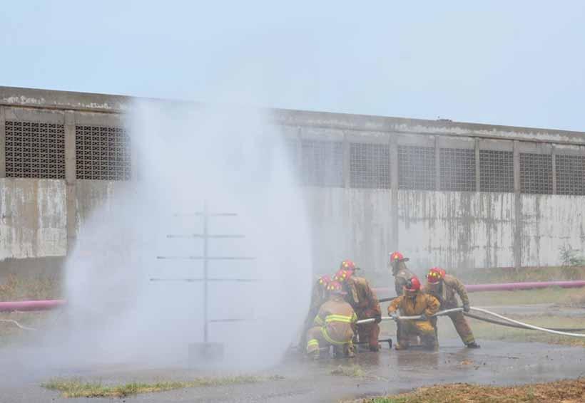 Realizan prácticas  contraincendios  en el interior de  la refinería | El Imparcial de Oaxaca