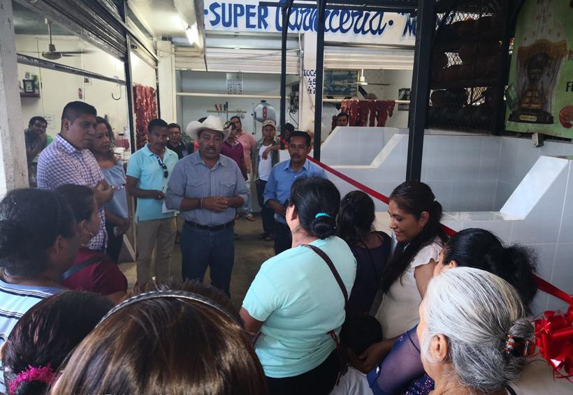 Rehabilitan área de  pescado en el mercado de Pochutla, Oaxaca