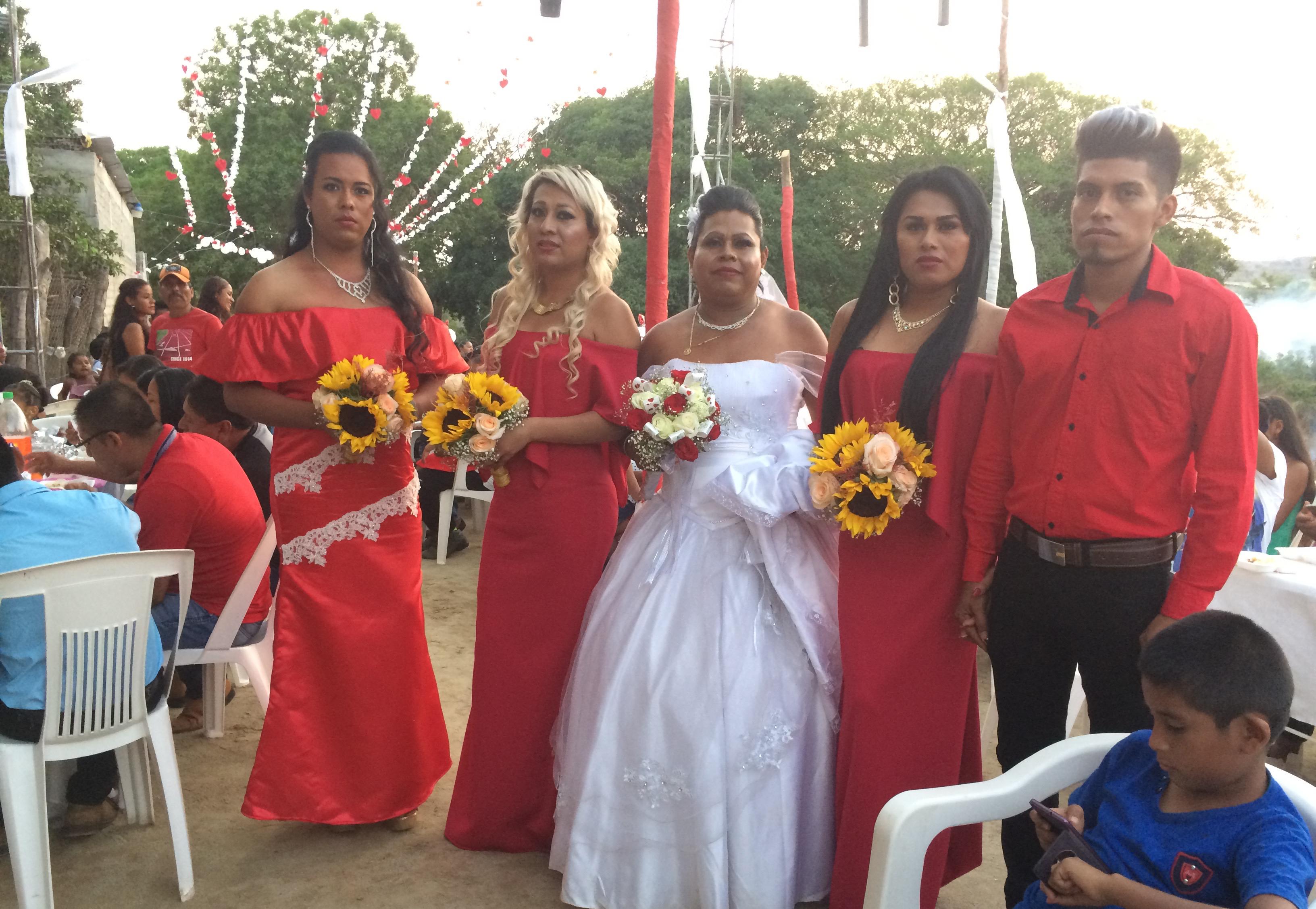 Celebran matrimonio gay  en Santiago Jamiltepec, Oaxaca