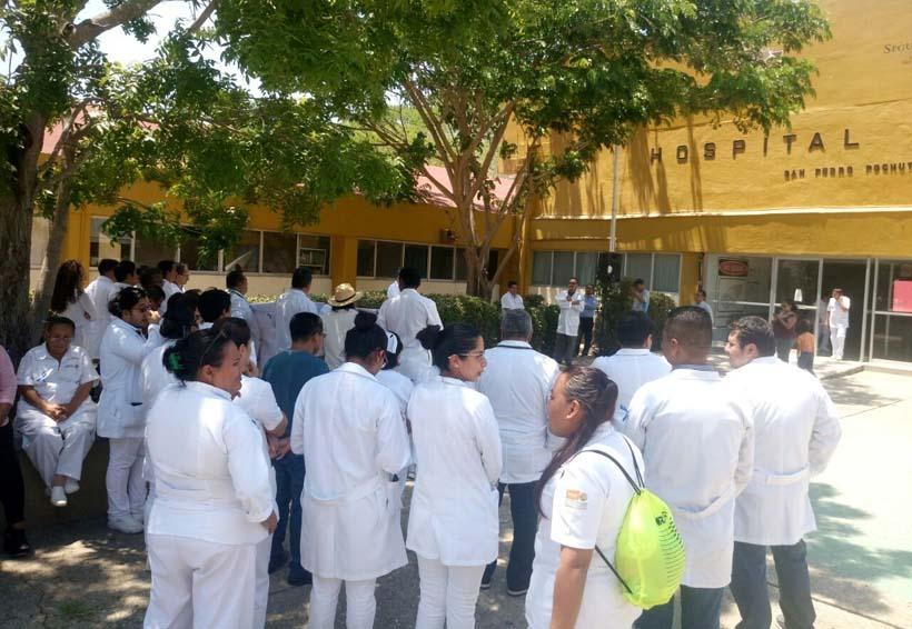 Se solidarizan médicos en Pochutla  con doctor juzgado por negligencia