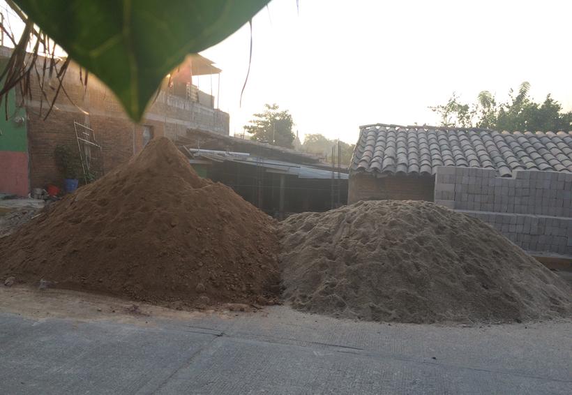 Sin apoyos, damnificados  del sismo en Pinotepa Nacional, Oaxaca