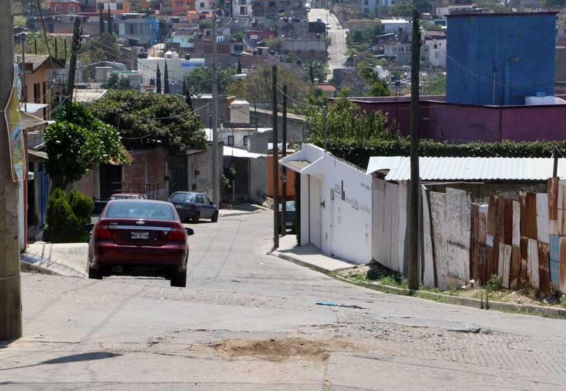 Colonia Volcanes, sin orden ni  calles en buen estado