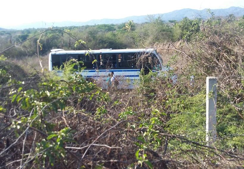 Ejecutan a chofer y ayudante de camión de pasaje en la Costa de Oaxaca | El Imparcial de Oaxaca