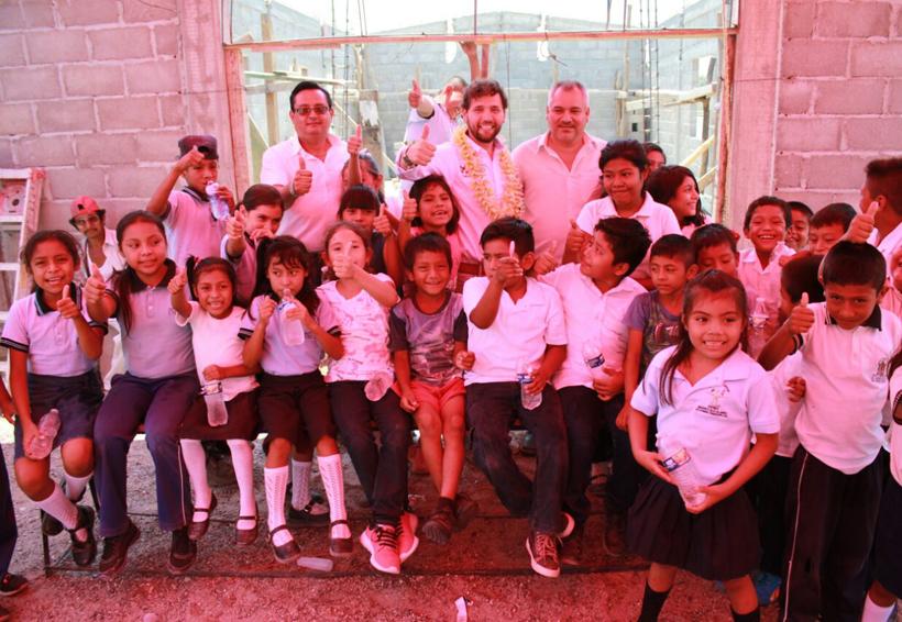 Vecinos de la colonia Alejandro Cruz están con Pepe Estefan