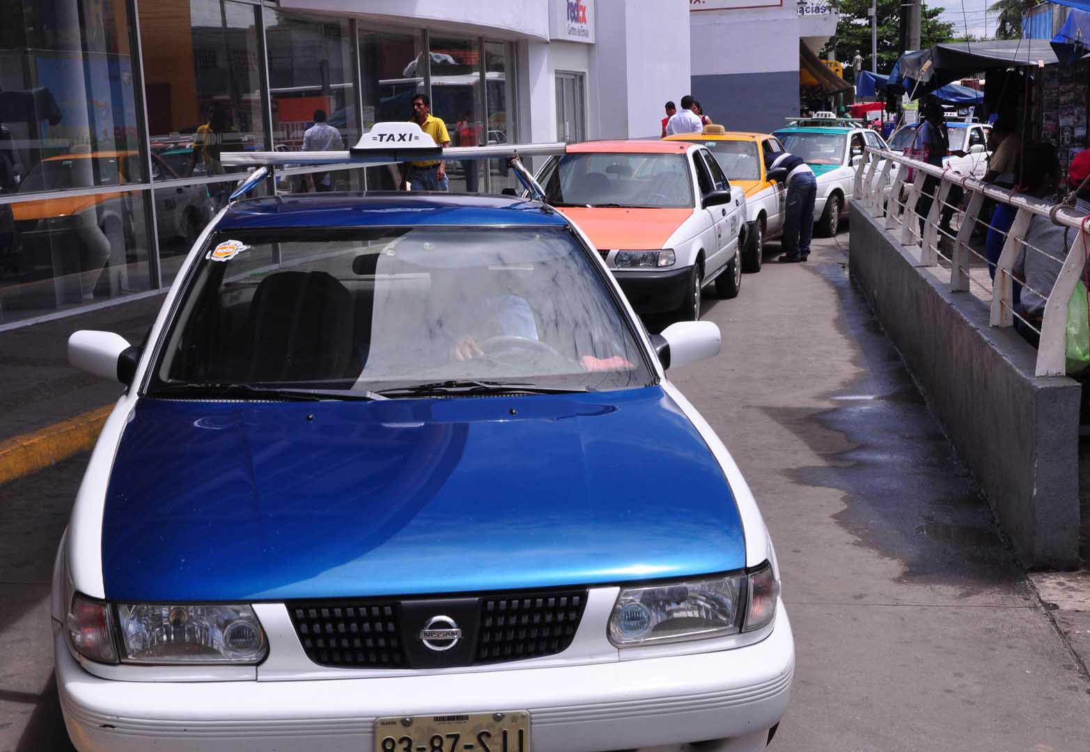 Taxistas molestos por ingreso de mototaxis en Tuxtepec, Oaxaca | El Imparcial de Oaxaca