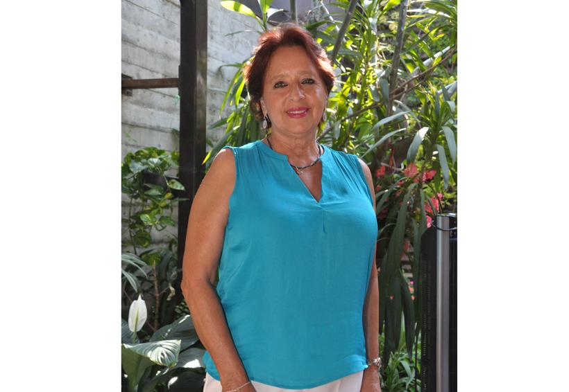 Felicitan a  Luz María