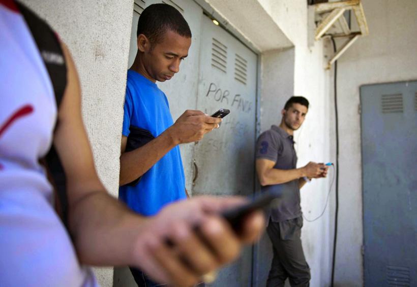 El uso excesivo de dispositivos móviles se puede evitar, ¡inténtalo! | El Imparcial de Oaxaca