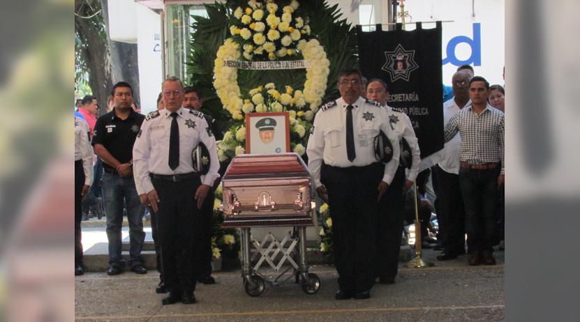 Último adiós a polícia vial asesinado en Tuxtepec, Oaxaca | El Imparcial de Oaxaca