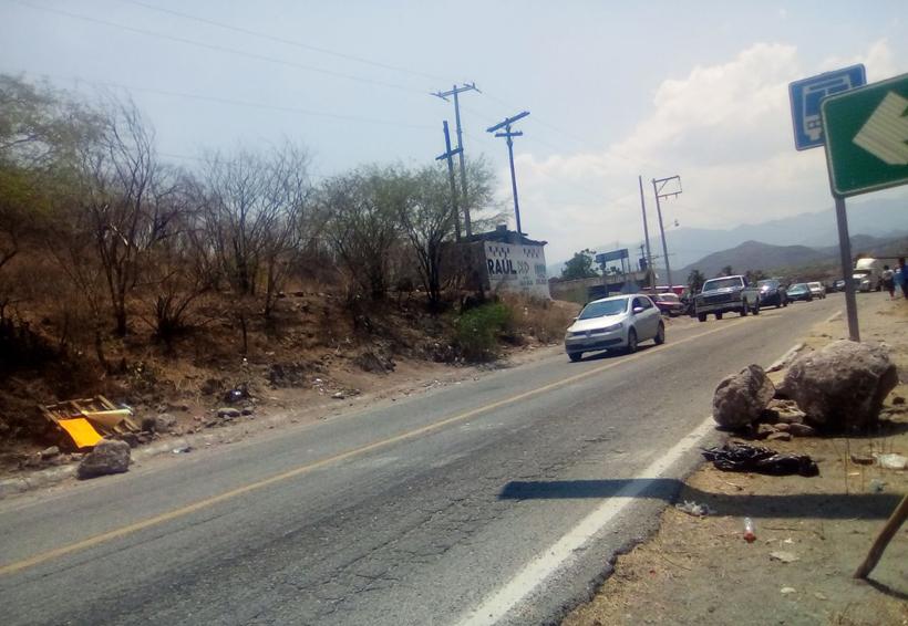 Bloquean para exigir  cese de mando policiaco en el Istmo de Oaxaca