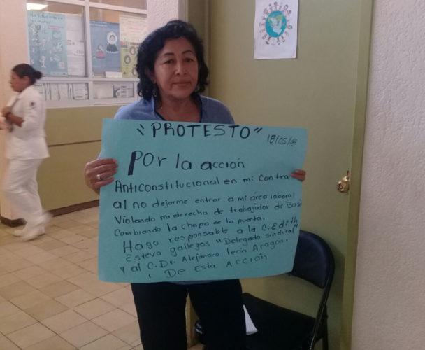 En Salina Cruz niegan a empleada de Salud a  ingresar a su centro de trabajo