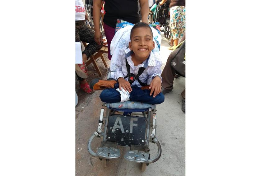 Festejan a niños con capacidades diferentes del Istmo de Oaxaca