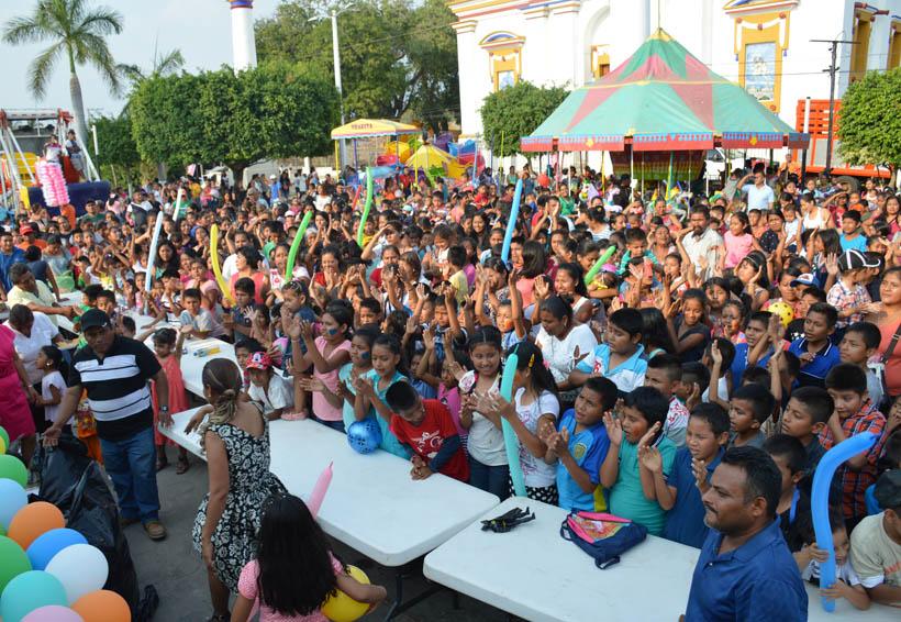Festejan a niños de Santiago Jamiltepec, Oaxaca | El Imparcial de Oaxaca