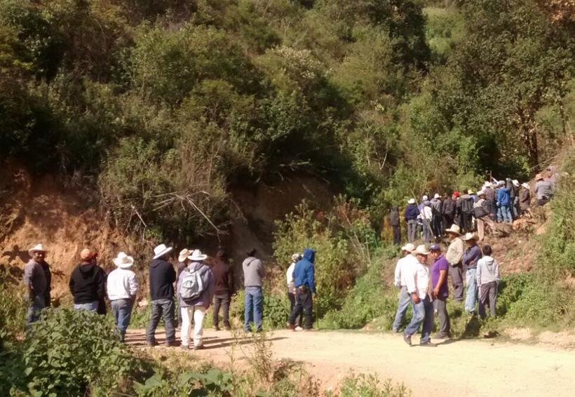 Fallece hombre en volcadura en Santa María Yucunicoco, Oaxaca