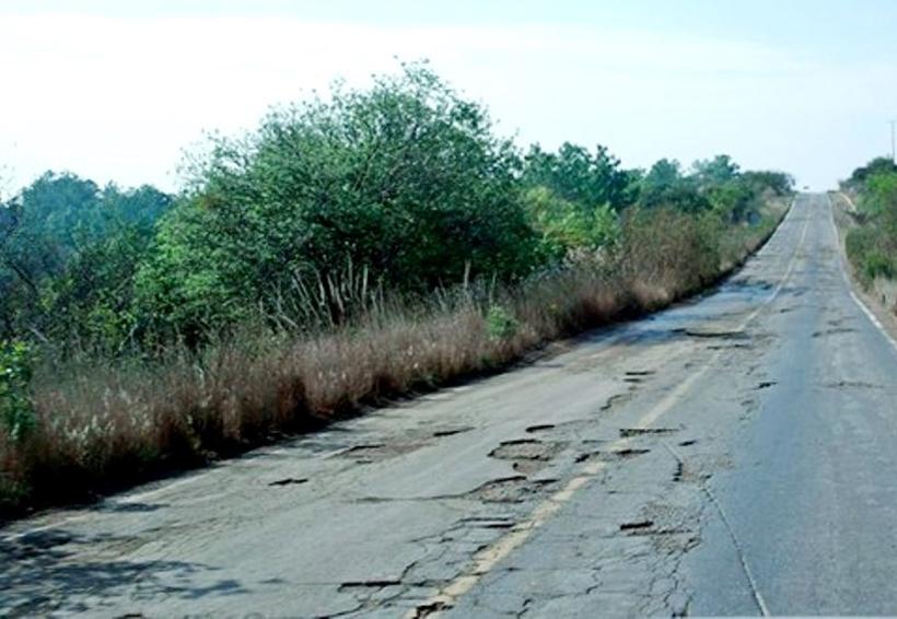 Se unen empresarios  para reconstruir  carreteras en la Mixteca de Oaxaca | El Imparcial de Oaxaca
