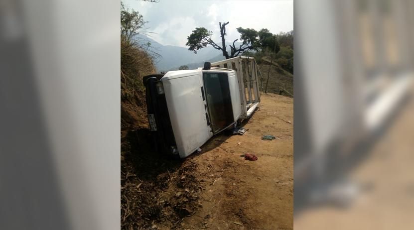 Fallece en volcadura en Sola de Vega; iba a jugar básquetbol | El Imparcial de Oaxaca