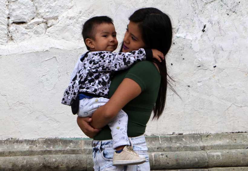 Madres solteras: un ejemplo de esfuerzo y dedicación en Oaxaca