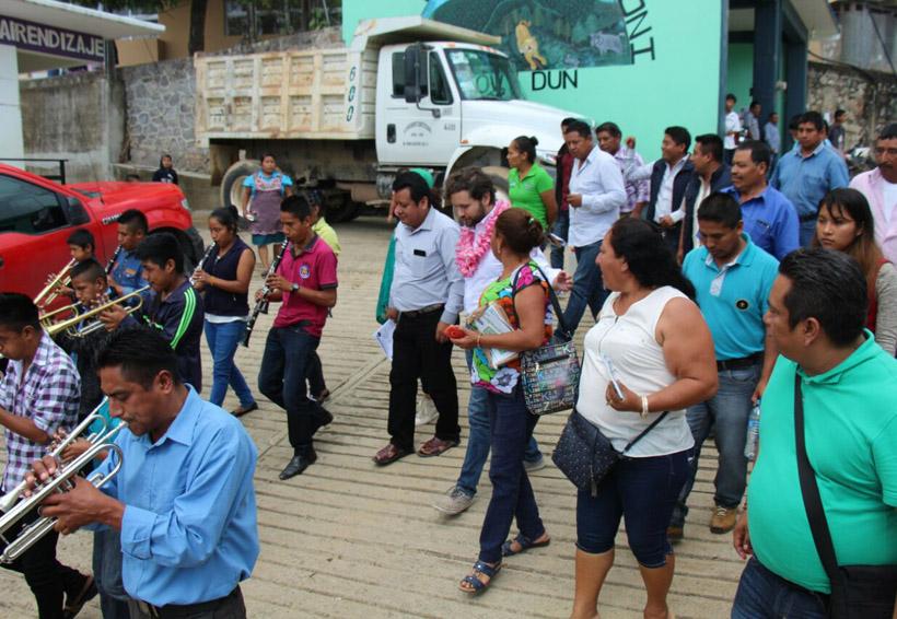Pide San Pedro Quiatoni a Pepe Estefan más recursos para salud